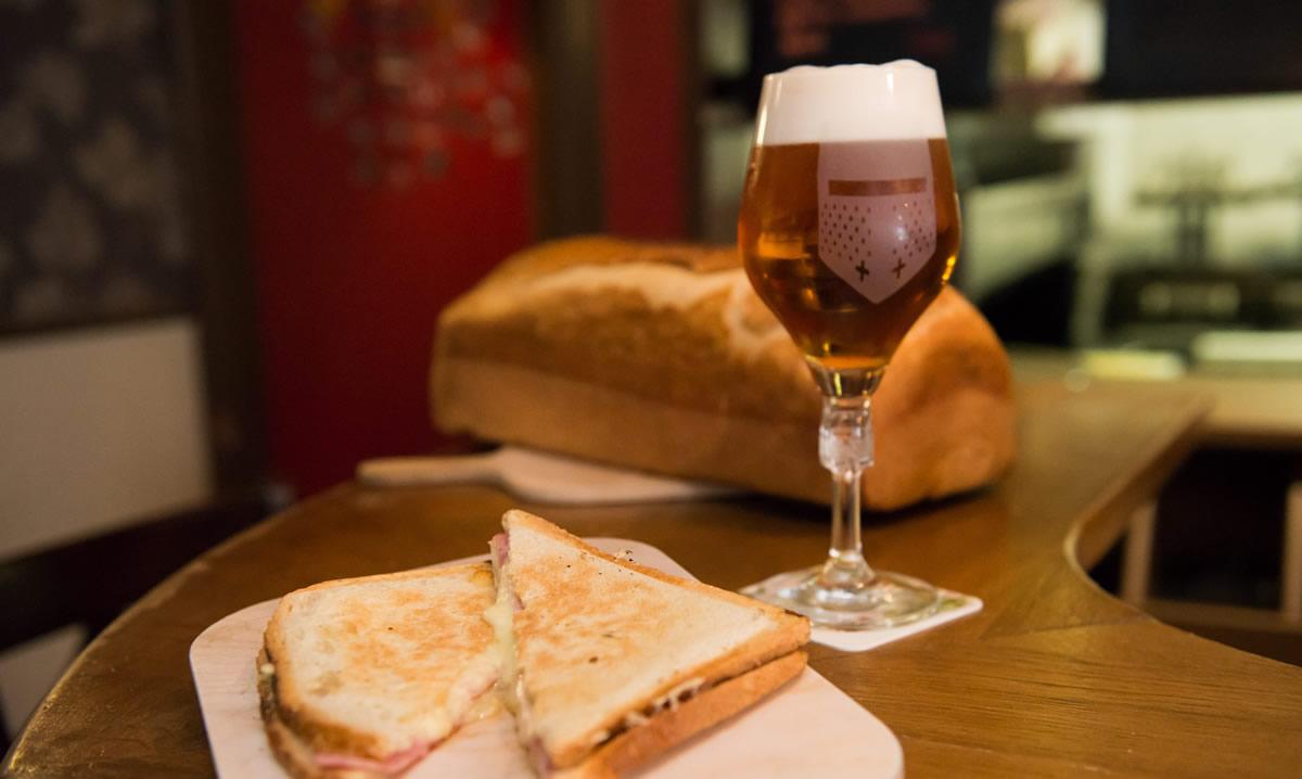 Bières de dégustation et pain de boulanger